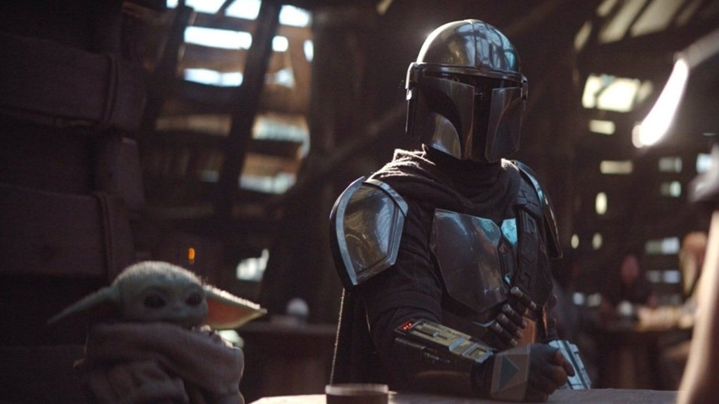 The Mandalorian and the child in the cantina on Sorgan in Chapter 4. The stars of the successful show, The Mandalorian.
